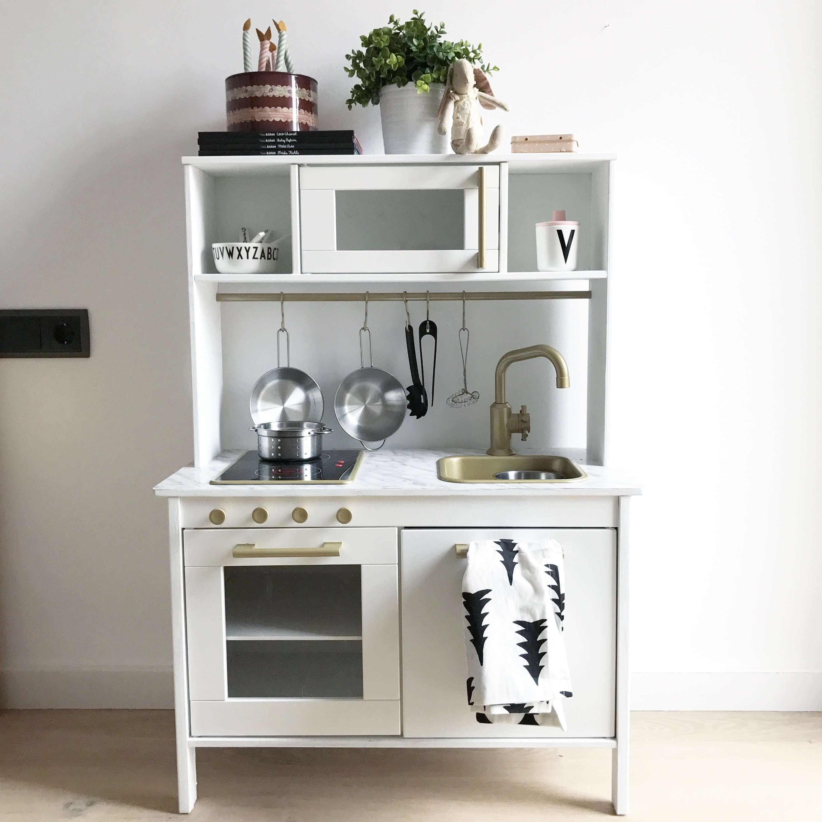Ikea duktig hack estoreta family craft deco for Cocina juguete ikea opiniones