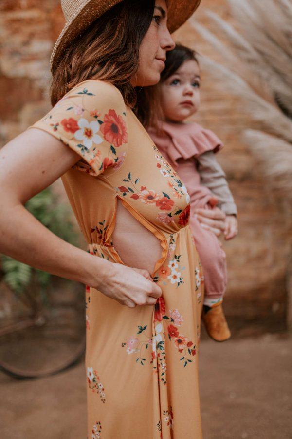 Vestido largo floral tostado apto para lactancia